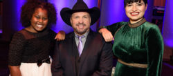 Khloe Thompson, Garth Brooks and Maria Rose Belding, recipients of The George H.W. Bush Points of Light Award.